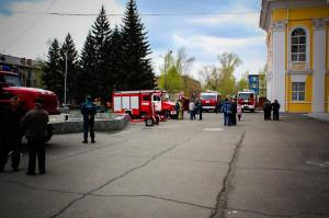Выставка пожарной техники у ГДК