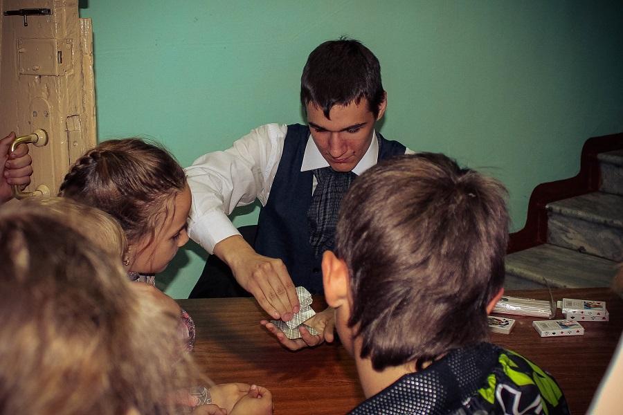 Музейная ночь. Игра в карты