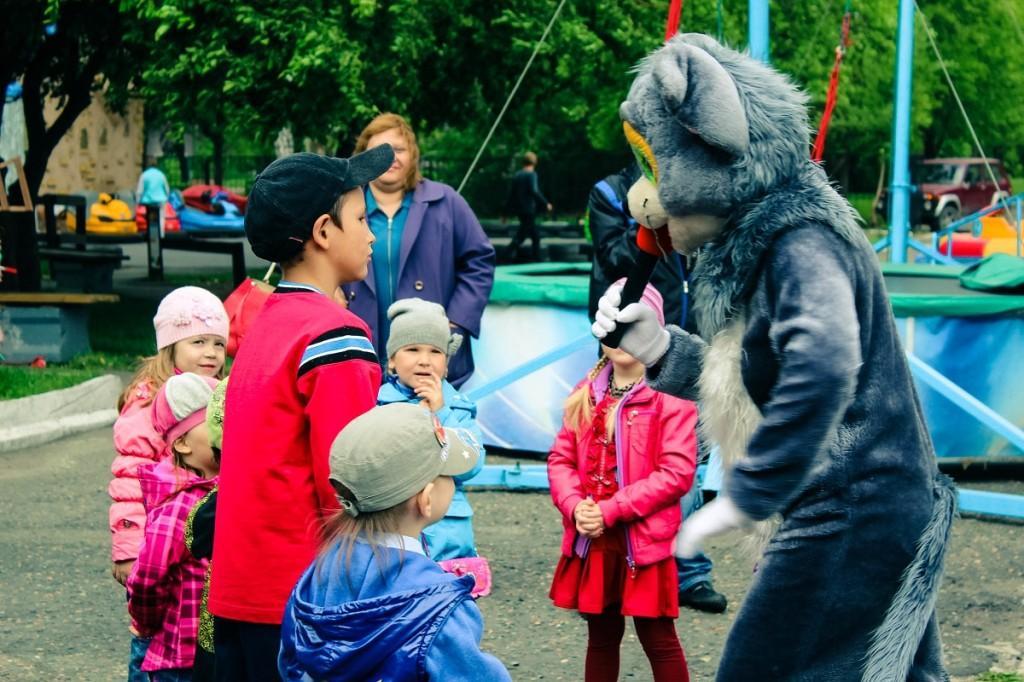 """Открытие парка аттракционов """"Маленькая страна"""", праздником «День семьи»"""