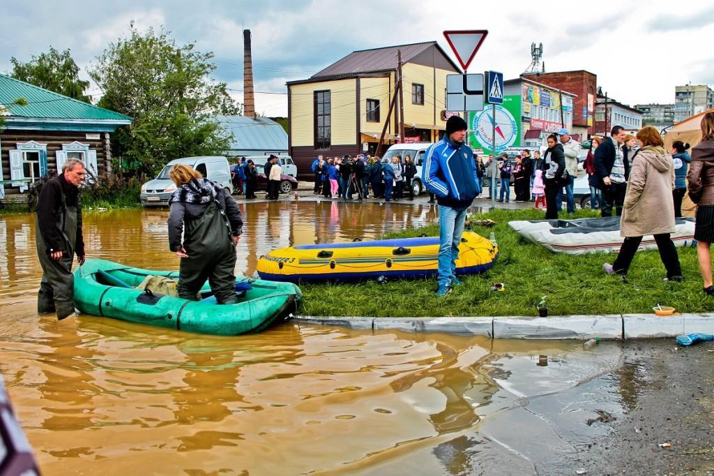 Гуманитарная помощь. Наводнение в Бийске 1 июня 2014 года