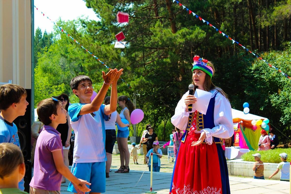 Фестиваль национальных культур «Под открытым небом». 25 июня 2014 года