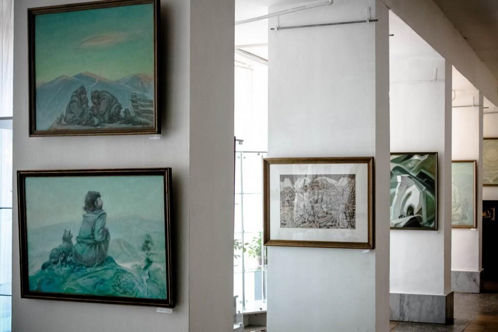 Выставка картин Бралгина Ю.Е. «Жизнь и быт алтайцев» в Бийске.