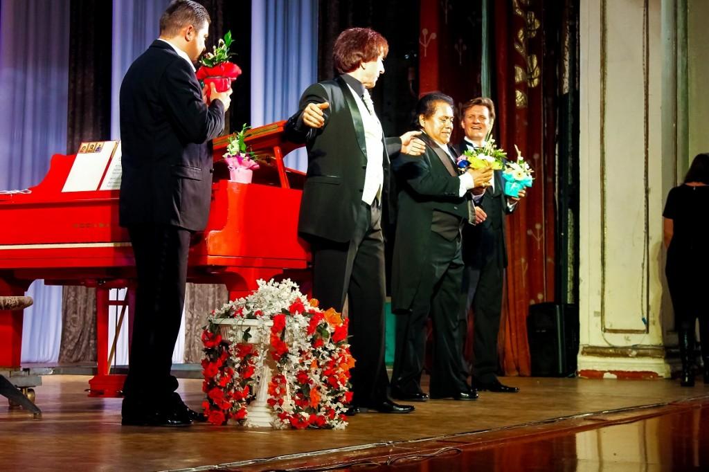 """Концерт """"Трех трубадуров"""" в городе Бийске"""