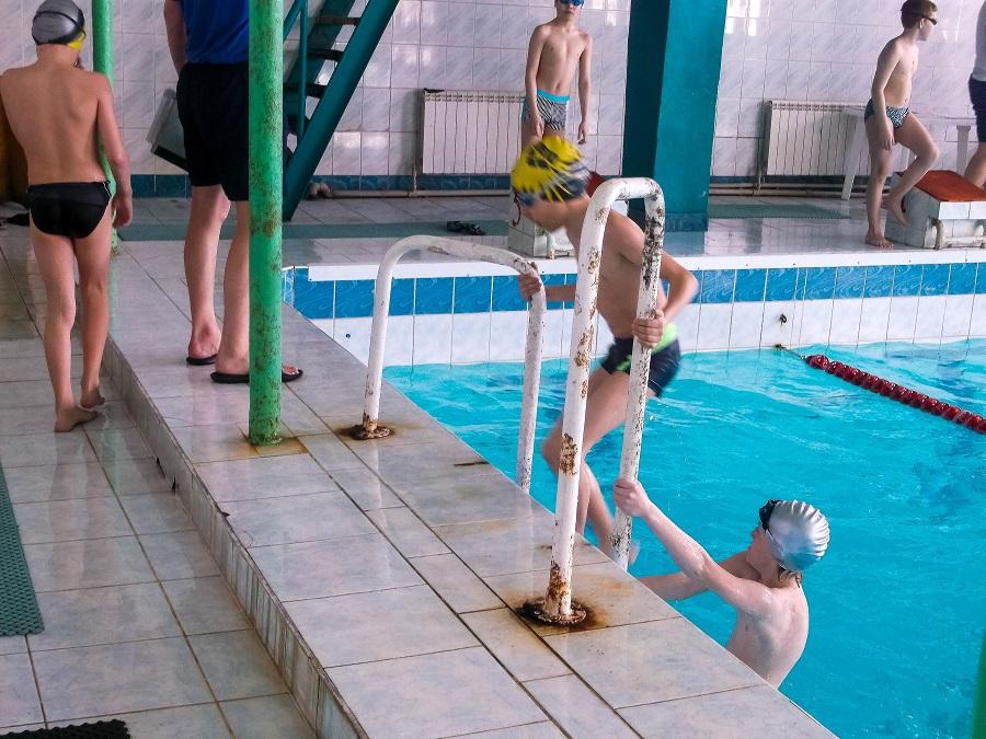 """Первенство города по плаванию в Бийске. СК """"Дельфин"""""""