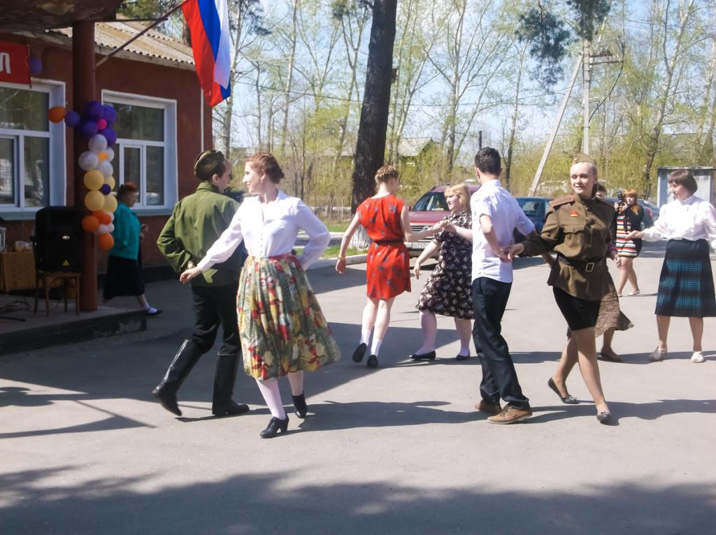 В Бийске состоялся довоенный бал 30-40-х годов