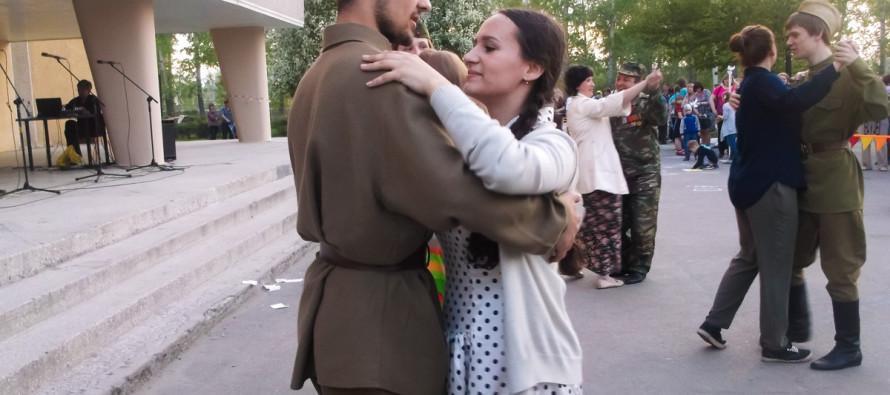 ДК БОЗ поздравил ветеранов с Днем Победы