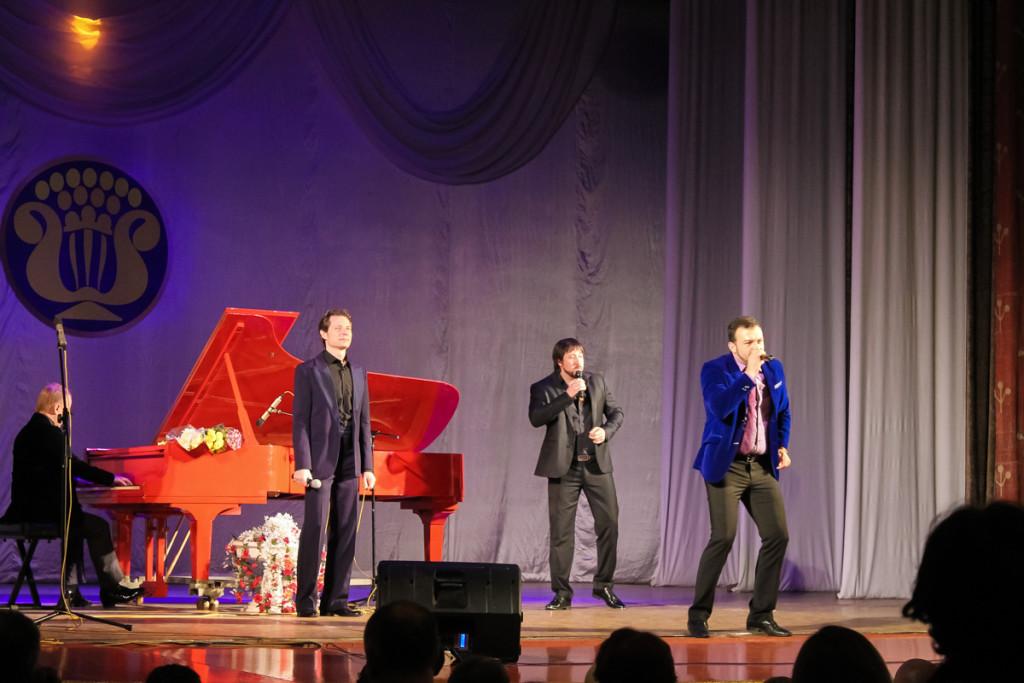 """В Бийске состоялся концерт трех баритонов """"Всё о любви"""""""
