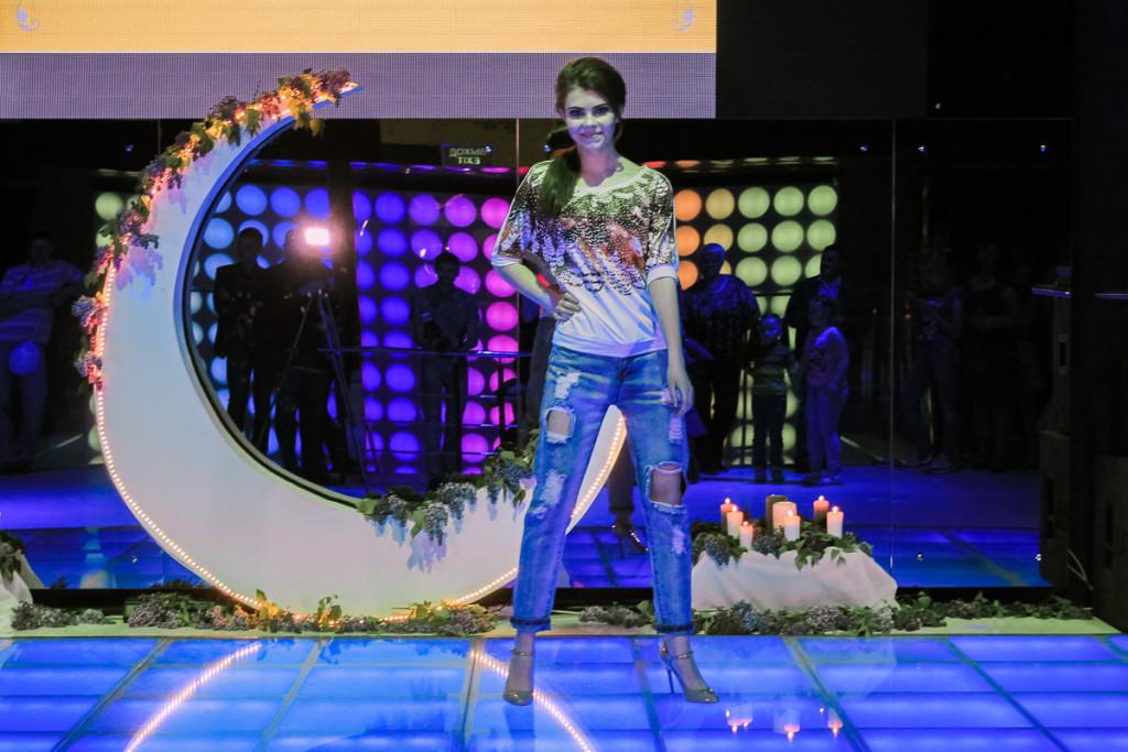 Показ от модельной школы Ольги Шигиной в Бийске. Джинсы