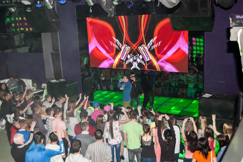 В Бийске прошел сольный концерт Тбили Тёплый
