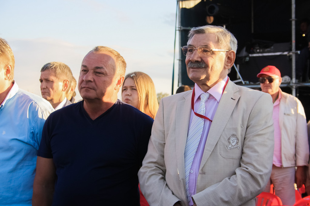 """В Верх-Обском прошло закрытие фестиваля """"Земляки"""""""