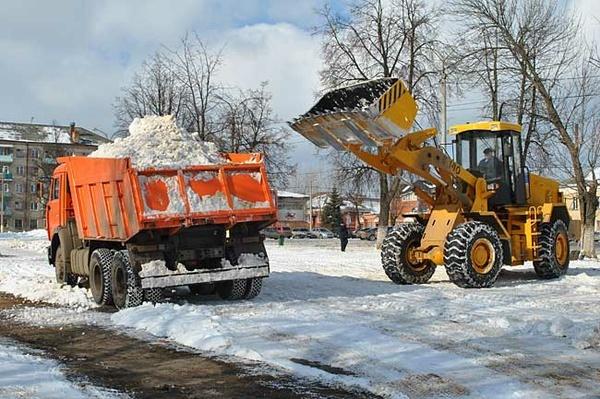 Практически 4 тысячи тонн снега вывезли заночь сулиц Барнаула