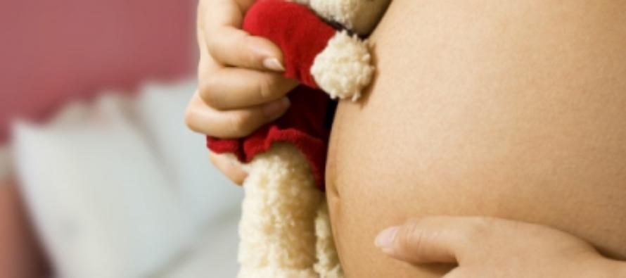 12-летняя школьница забеременела от жениха старшей сестры