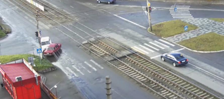Видео тяжелого ДТП в Бийске