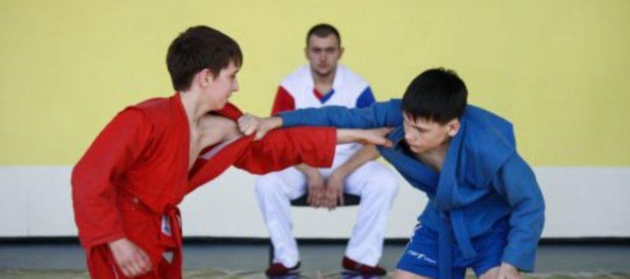 Юные самбисты Бийска вновь оказались в числе сильнейших борцов края