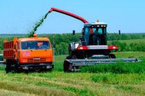 Аграрии Алтайского края приобрели более 270 комбайнов