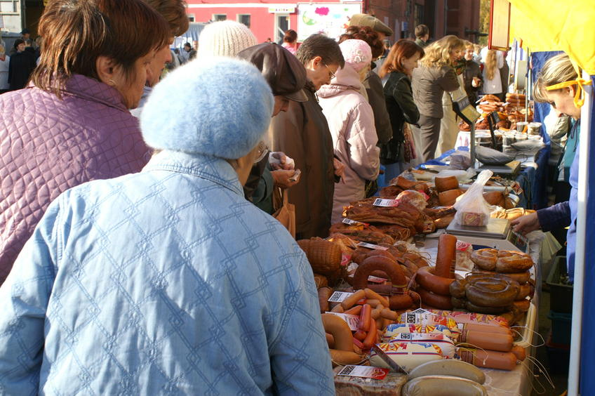 Колбасу, капусту ифрукты впервую очередь покупают барнаульцы наярмарках