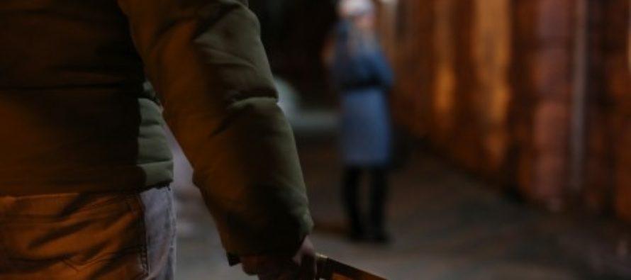 Житель Алтая с ножом напал на 52-летнюю женщину
