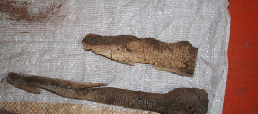 Жители Алтая нашли саркофаг средневекового воина с берестяным орнаментом