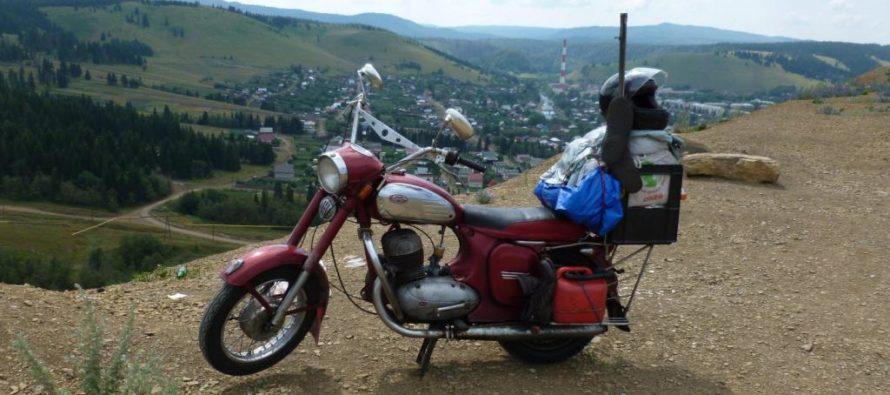 Бийский мототурист получил звание «Заслуженный путешественник России»