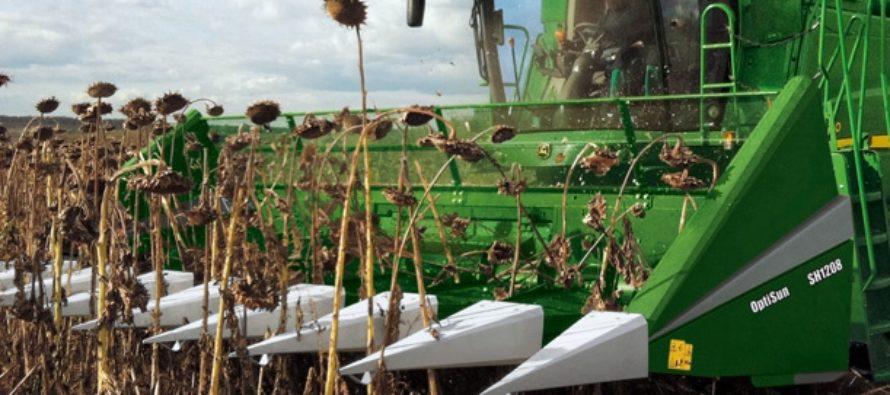 Аграрии Волчихинского района с каждого гектара намолачивают более 11 центнеров семян подсолнечника