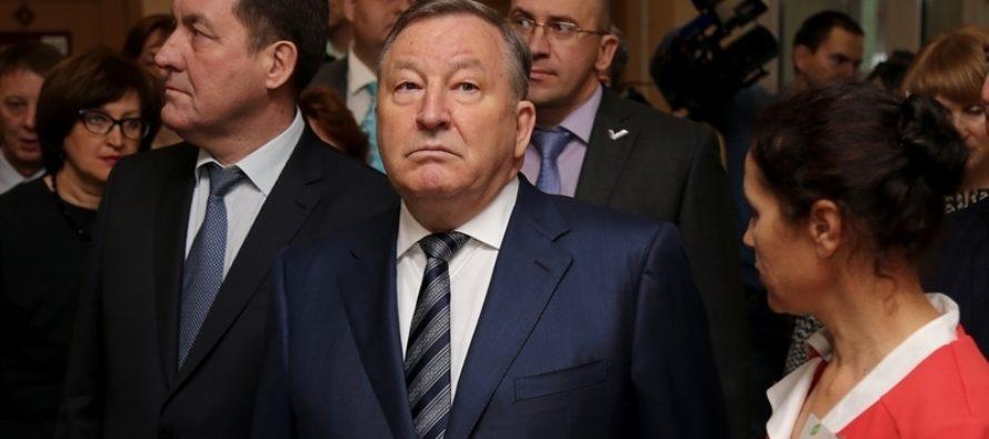 Губернатор Алтайского края дополнительно выделить 349 млн. рублей на повышение заработной платы школьных учителей