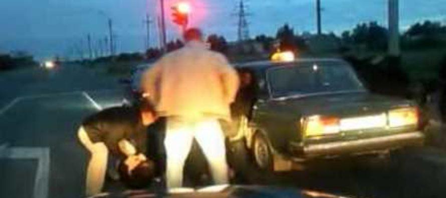 В Барнауле Росгварейцы с погоней задержали наркобарыг