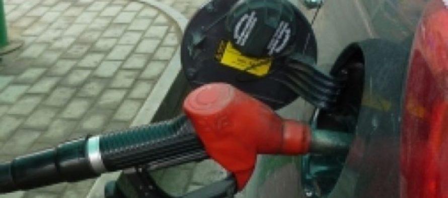 В Барнауле водитель нашел топливную карту и заправился на 170 тысяч рублей