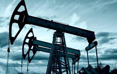 Цены нанефть сегодня слабо растут