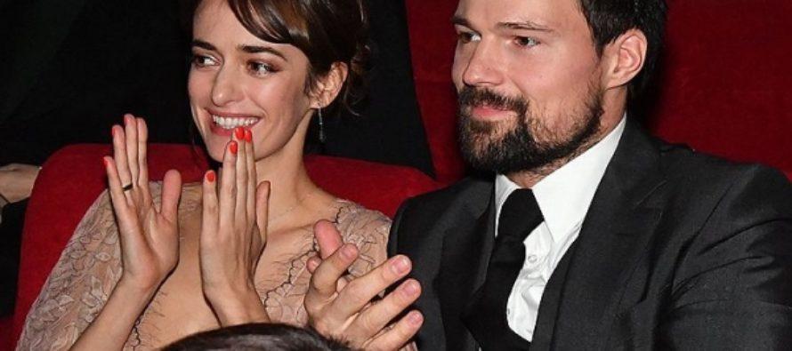 Девушка Данилы Козловского на премьере «Викинга» потрясла всех роскошным декольте