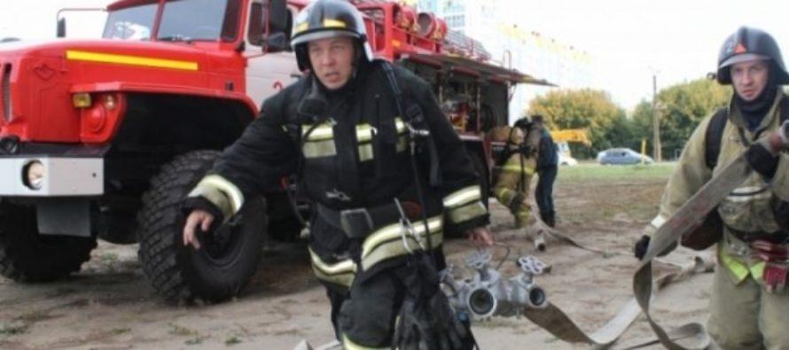 В Барнауле ночью сгорел микроавтобус