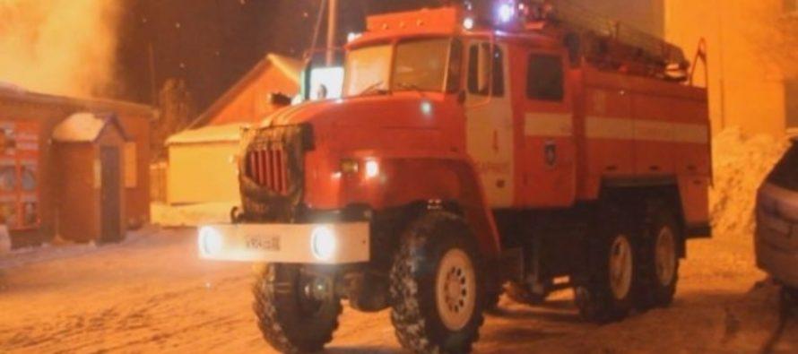 Пожар на радиозаводе в Барнауле не могут потушить уже несколько часов
