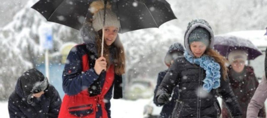 В Алтайском крае предано штормовое предупреждение на 17 декабря