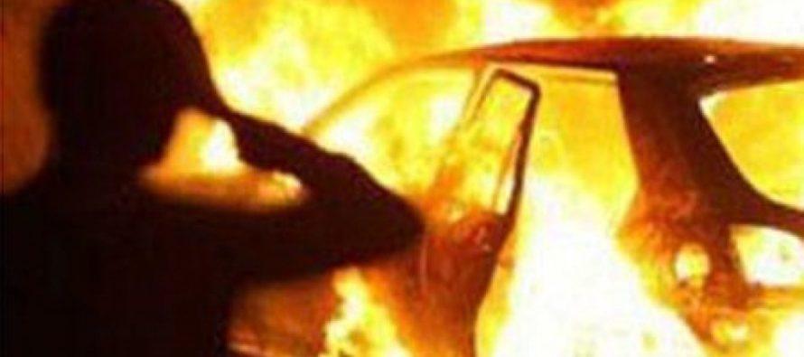 Легковой автомобиль загорелся ночью 10 декабря в Бийске