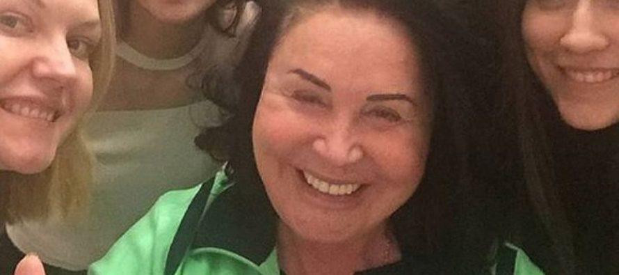 Поклонники с трудом узнали Надежду Бабкину на фото без макияжа