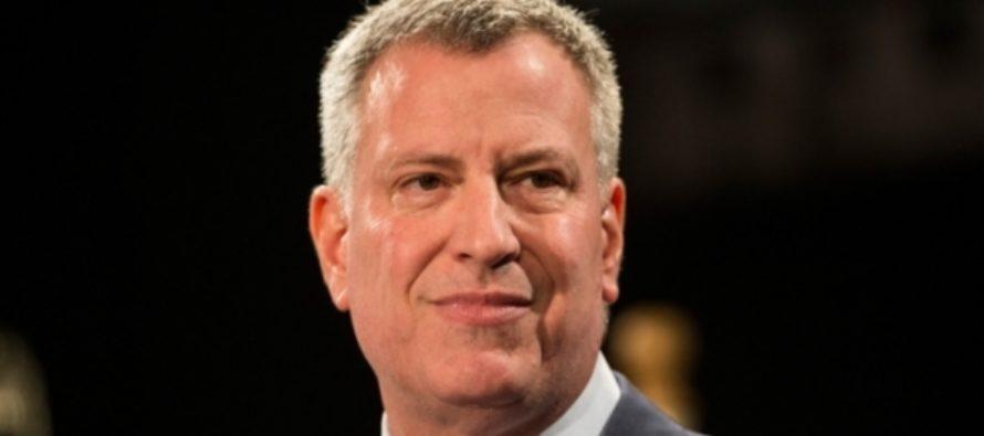 Мэр Нью-Йорка и голливудские актеры вышли на митинг против Трампа