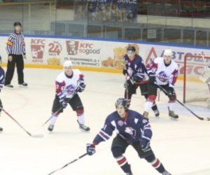Хоккеисты «Алтая» одержали волевую победу над «Кристаллом-Юниором»