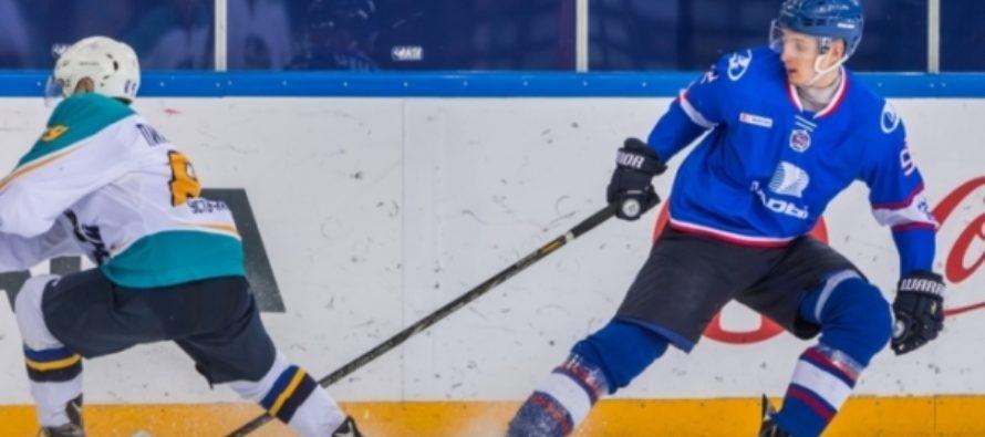 Воспитанник алтайского хоккея в День всех влюбленных дебютировал в КХЛ