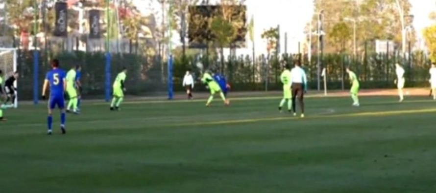 Футболист Полоз повторил «удар скорпиона» во время товарищеского матча