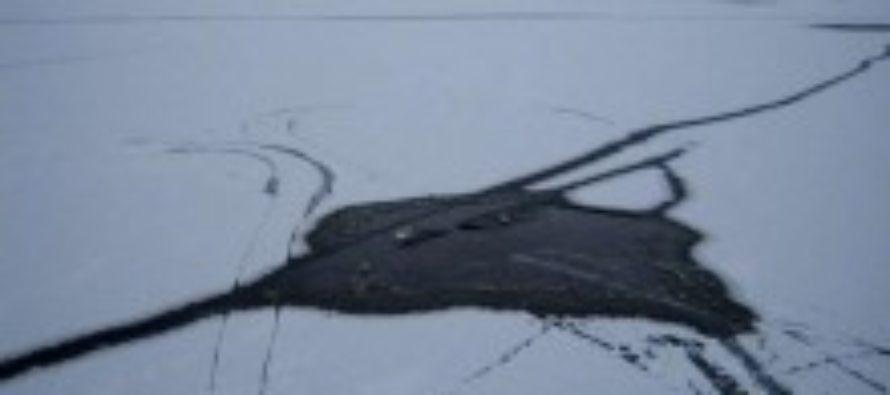 На Алтае под лёд провалился ребёнок