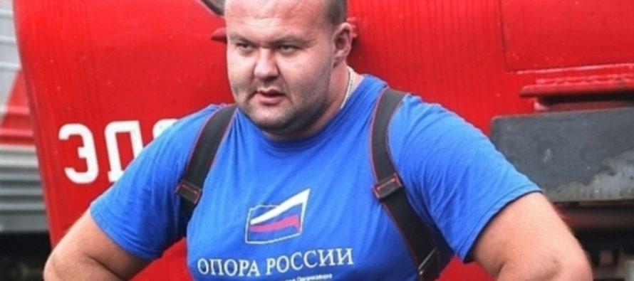 Силач в Приморье сдвинул портовый кран и посвятил эту победу Крыму