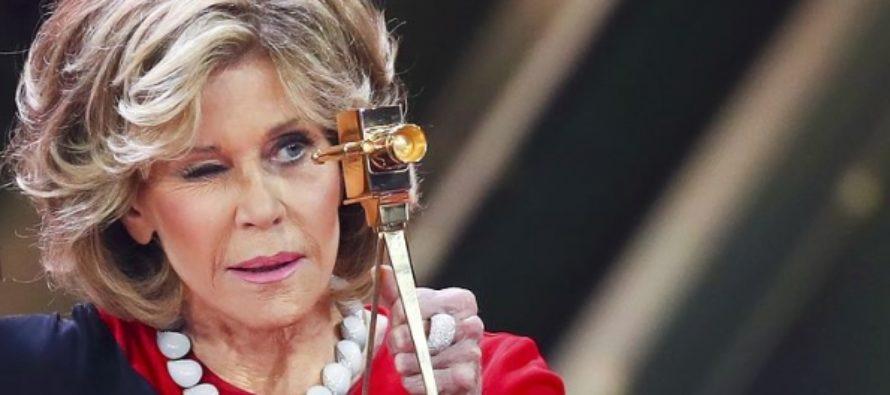 Джейн Фонда показала, как шикарно может выглядеть женщина накануне 80-летия