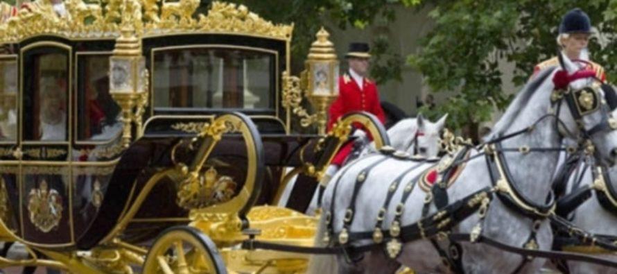 Трамп хочет прокатиться по Лондону на золотой карете королевы Елизаветы II