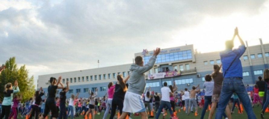 Барнаульцев все лето будут бесплатно приучать к массовым тренировкам