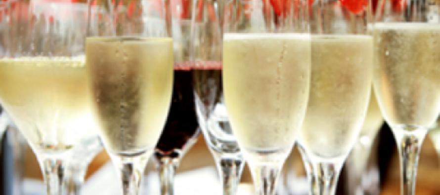 Секреты употребления алкогольных напитков во время застолья