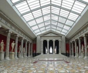 Больше 50% россиян не ходили в музеи несколько лет