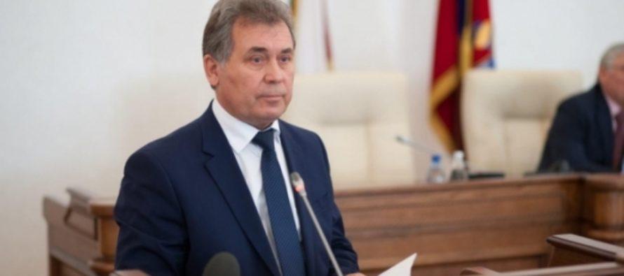 Нам не по пути: глава алтайских единороссов об уходе своего депутата в КПРФ