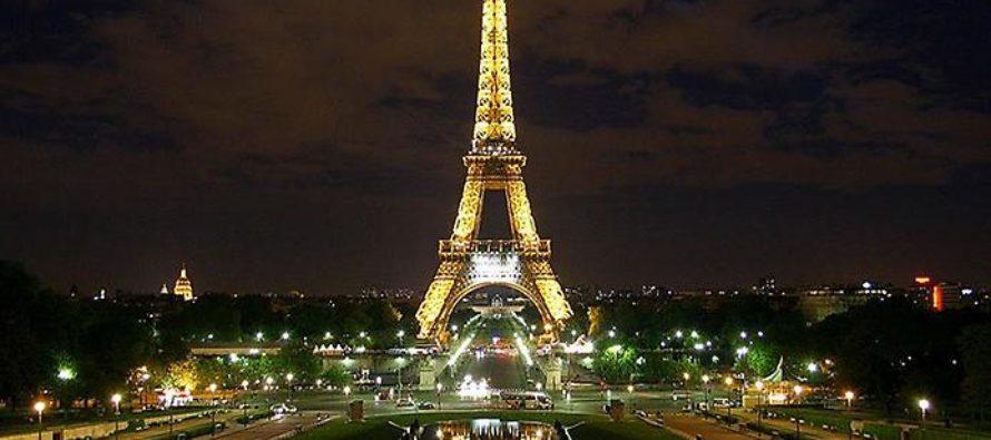 Какие достопримечательности можно посетить в Париже с русскоговорящим гидом?