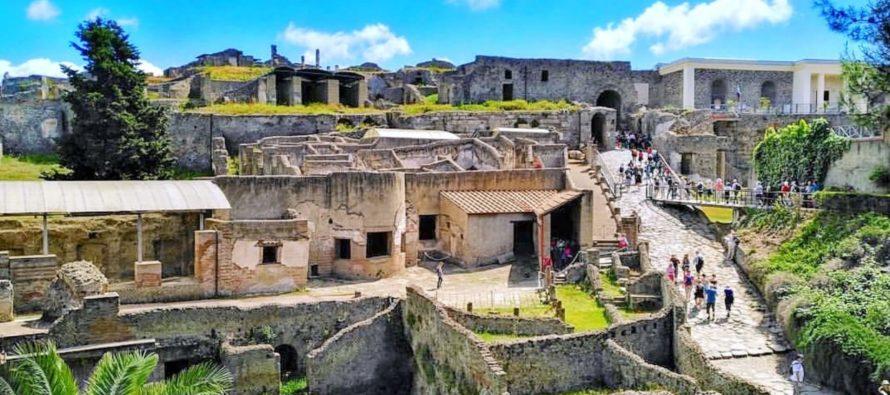 Какие экскурсии можно посетить в Неаполе?