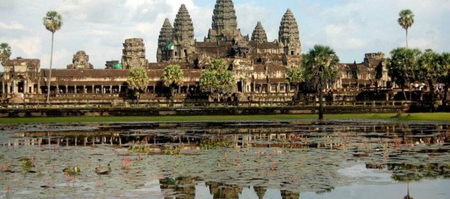 Какие достопримечательности можно посетить в Ангкоре?