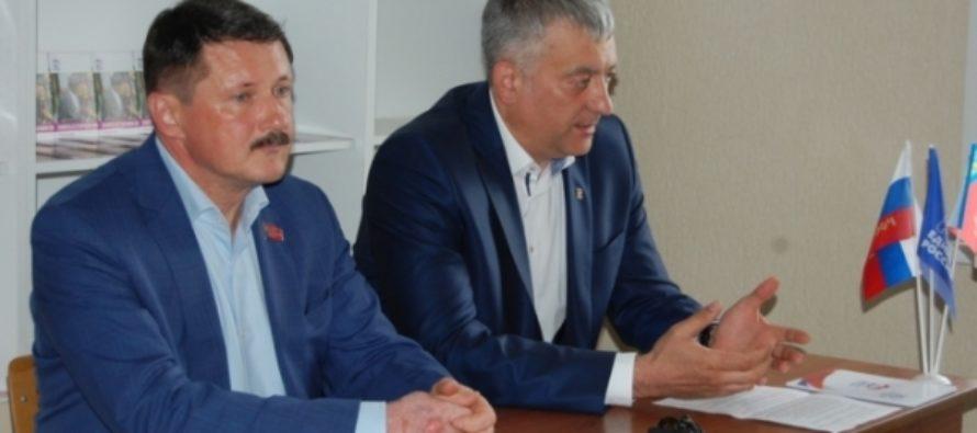 Барнаульские единороссы обсудили, с чем пойдут на выборы